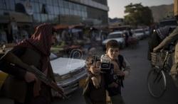 Talibani najavili da će se avganistanske učenice vratiti u škole