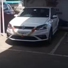Tek je kupio automobil, seo u njega i napravio POTPUNI HAOS: Kada pogledate snimak SVE će vam biti JASNO (VIDEO)