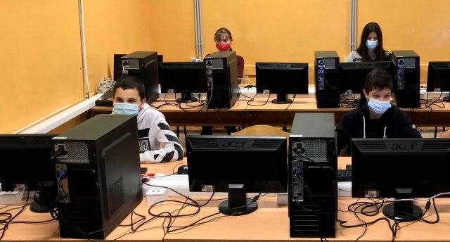 Telekom za četiri godine opremio 80 škola računarskom opremom