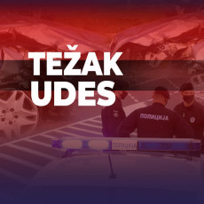 Teška saobraćajna nesreća na auto-putu Šid-Beograd: Vozač automobila izgubio kontrolu i zabio se u ogradu