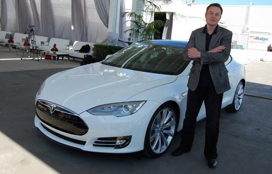 Tesla CEO dobio prvu isplatu u iznosu od skoro 800 miliona dolara