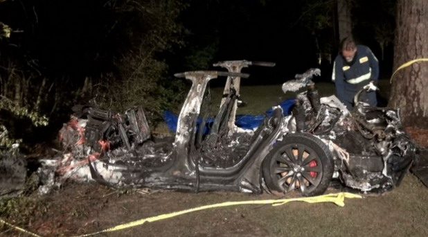 Tesla Model S bez vozača izazvao nesreću u Teksasu, dvoje mrtvih