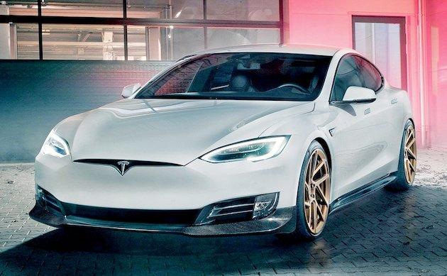 Tesla povlači 158.000 automobila zbog bezbednosnih razloga