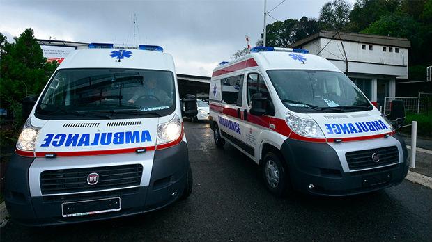 Težak udes kod Grocke, na mestu nesreće i vozila Vlade Srbije