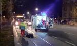 Težak udes kod Hrama Svetog Save, dve osobe povređene: Motorista oborio pešaka, pa motor odleteo i udario autobus (FOTO+VIDEO)