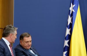 Timoti Les: Kolaps Bosne izgleda neizbežno