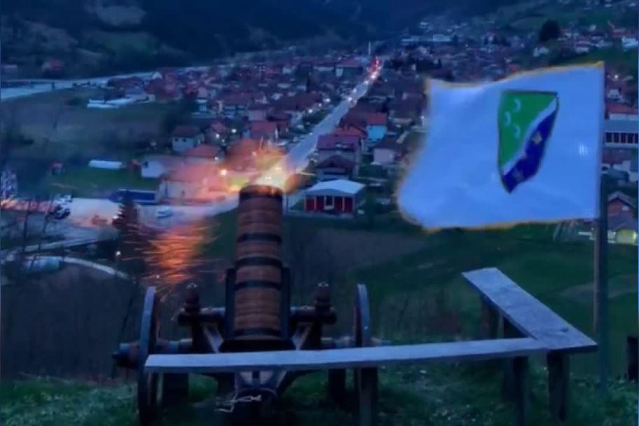 Top u Brodarevu najavljuje vrijeme iftara