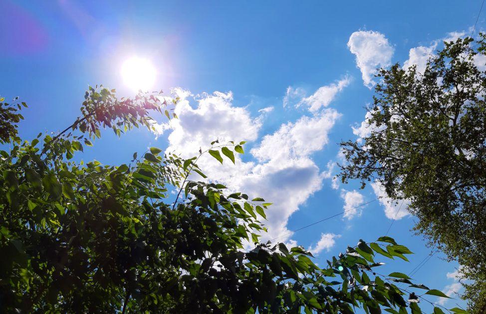 Toplo, do 31 stepen, posle podne umereno oblačno