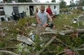 Tornado na Floridi, oštećene kuće i škola