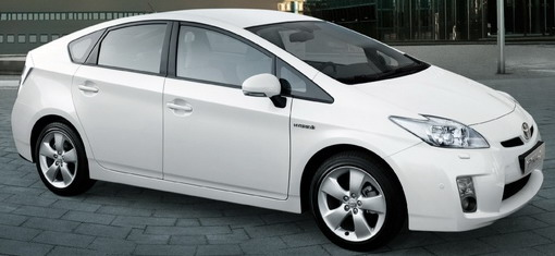 Toyota Srbija: Preventivna servisna akcija na Toyota hibridima