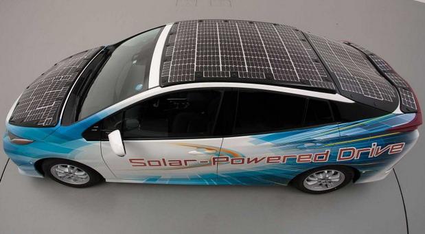 Toyota testira Prius sa solarnim panelima