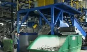 Tragedija u fabrici: Radnik i otac dvoje dece ostao bez šake, vlasnik firme garantuje pomoć