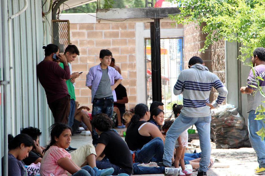 Tramp dozvoljava naseljavanje samo 18.000 migranata