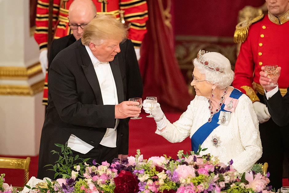 Tramp misli da je ludo zabavio kraljicu