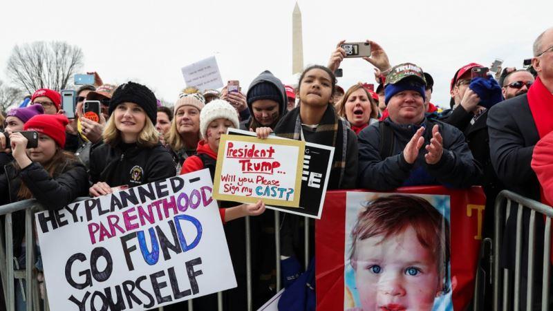 Tramp prvi predsednik SAD koji se obratio učesnicima Marša za život