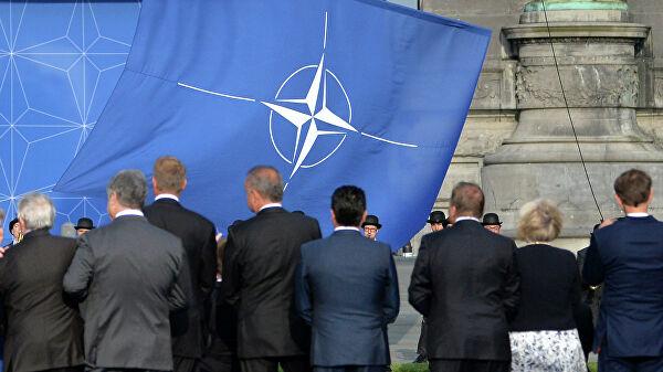 Trampov savetnik: SAD će nastaviti da podržavaju Kijev u konfrontaciji sa Moskvom