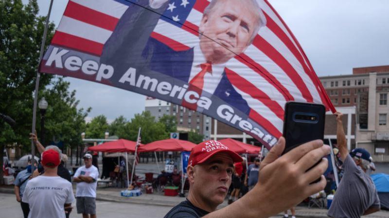 Pristalice stižu na Trampov miting, šestoro ljudi iz organizacije skupa pozitivno na Kovid 19