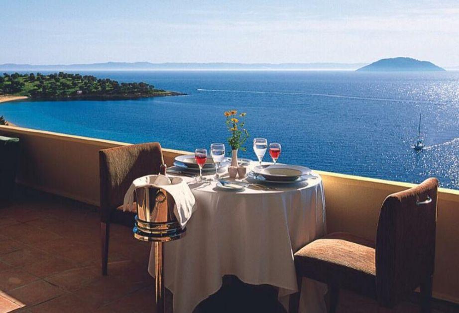 Travelland vas vodi u Grčku već od sutra! Hoteli sa 4* i 5* po najnižim cenama