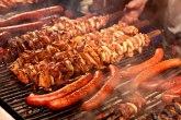 Traže zabranu roštilja na ugalj: Da li ste za? ANKETA