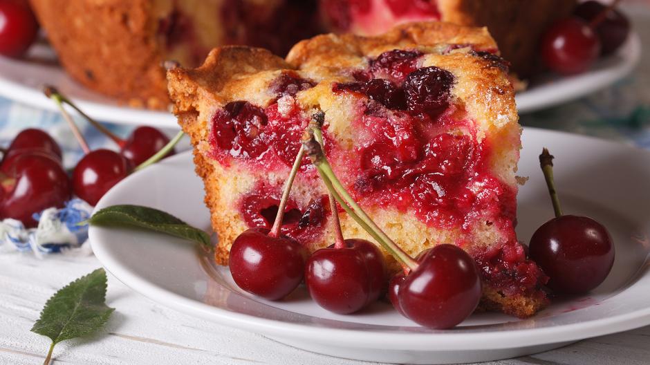 Tražiće se parče više: Ukusni kolač sa višnjama