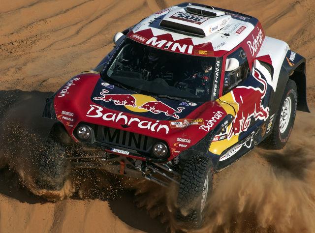 Treća titula za Sainca na Dakar reliju, dvostruki šampion F1 na 13. mestu!