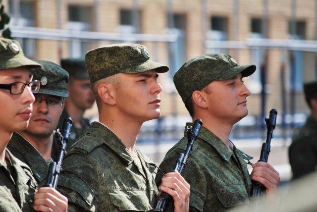 Tri brata sa Vojne akademiji na prijemu kod Vulina VIDEO