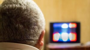 Tri četvrtine građana Srbije veče provodi ispred televizora
