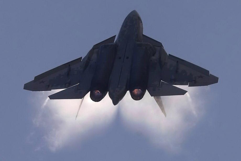 Tri ruska lovca udaljila američki avion od granice Rusije