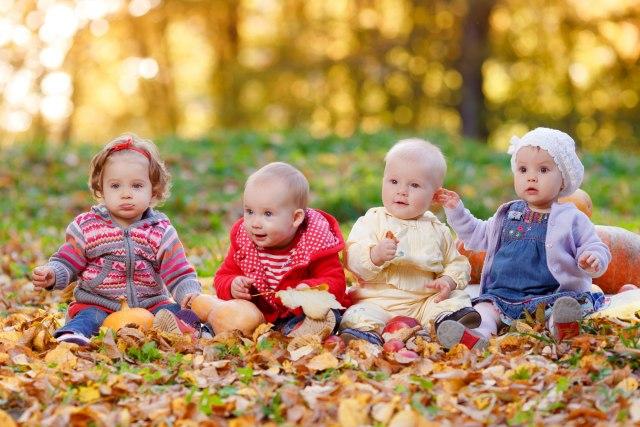 Tri sestre rodile četiri bebe za manje od jednog i po sata