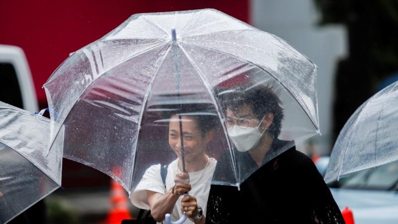 Tropska oluja donosi kišu, vjetar i valove sjeveroistoku Japana