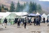 Tuča 2.000 migranata, povređeno više policajaca VIDEO