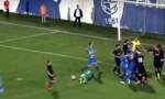 Tuča fudbalera na terenu: Nokaut, pa opšti haos (VIDEO)