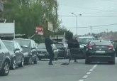 Tuča u Žarkovu: Udarali se stolicama i palicama VIDEO