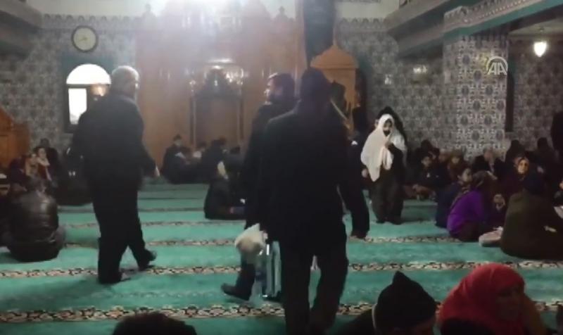 Turska: Brojne porodice spas nakon zemljotresa potražili u džamijama
