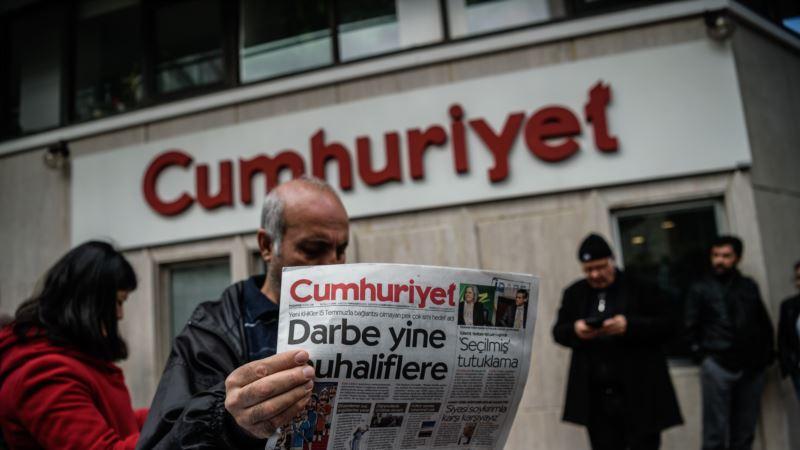Turska: Pet članova redakcije opozicionog lista pušteno iz zatvora