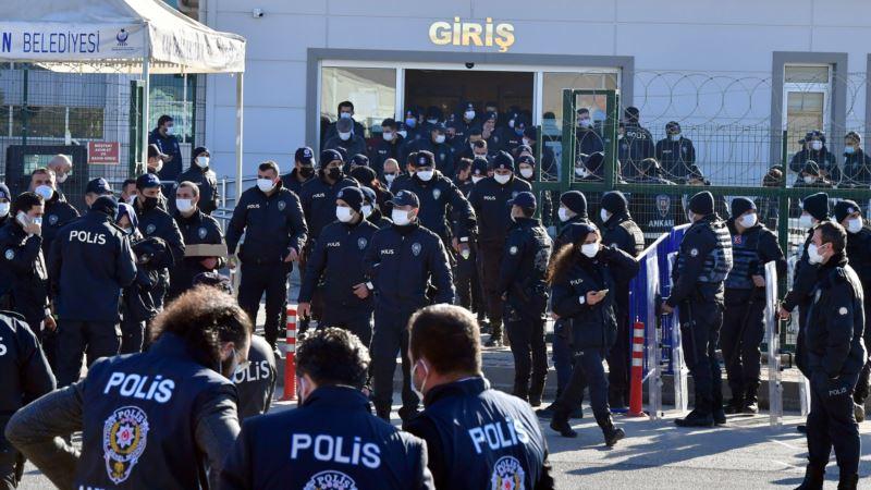 Turska: Stotine ljudi osuđeno na doživotni zatvor zbog pokušaja puča 2016.