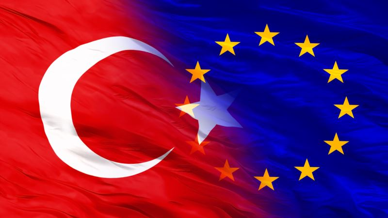 Turska osudila i odbacila poziv EU za obustavu prodaje oružja Ankari