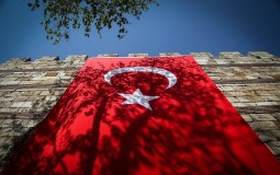 Turska smenila tri prokurdska gradonačelnika