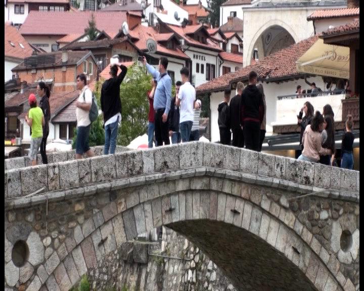 U Albaniji tokom pandemije porasla prodaja luksuzne robe