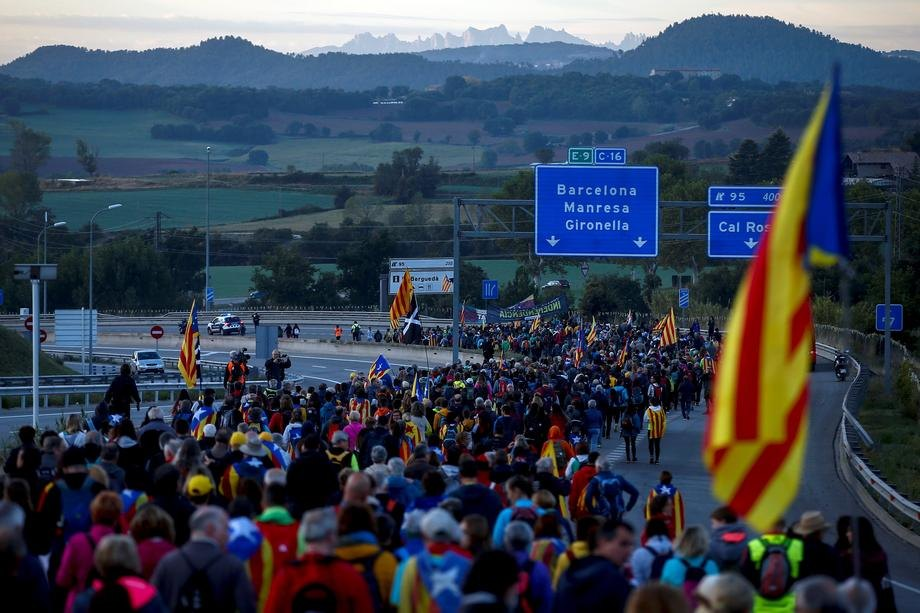 U Barseloni mirna noć, očekuje se obraćanje Kima Tore