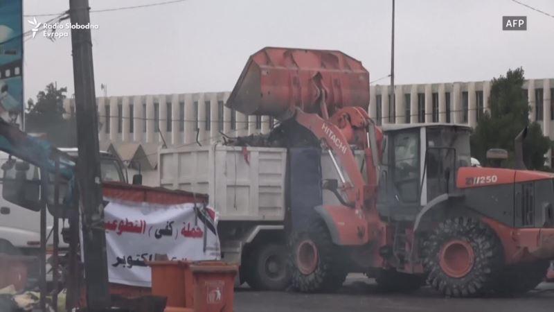 U Basri zapaljeni šatori i rasterani demonstranti