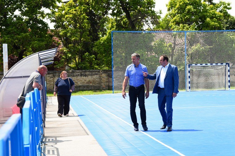 "U Bečeju otvoren rekonstruisani sportski teren u Partizanu"""