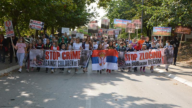 U Boru održan masovni protest protiv zagađenja [VIDEO]