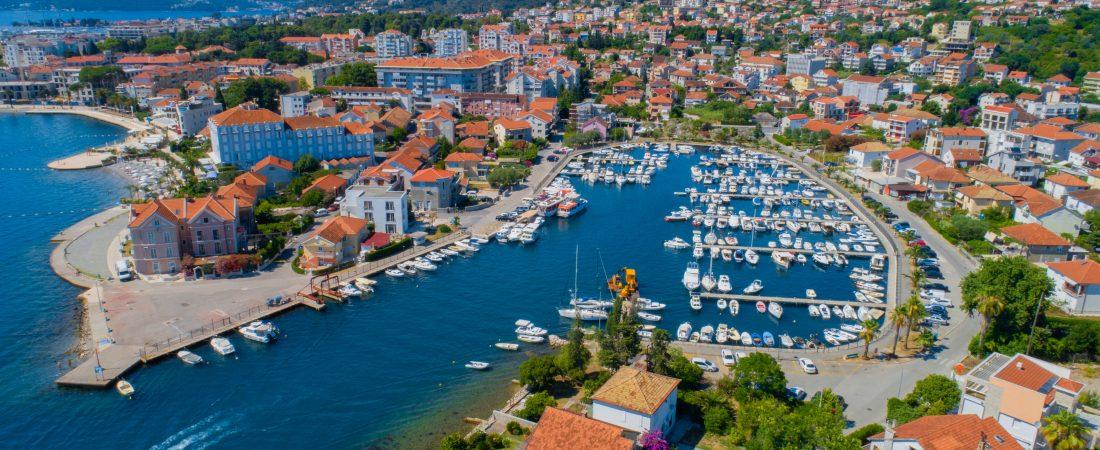 U Crnoj Gori 167.000 turista, dominiraju turisti iz BiH i Srbije