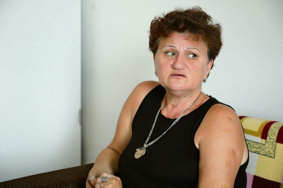 U ĐAKOVICI ALBANSKI PAS IMA VEĆA PRAVA OD SRPKINJE: Dragica Gašić NE IZLAZI IZ STANA, zabranjen joj je ulazak u prodavnice!