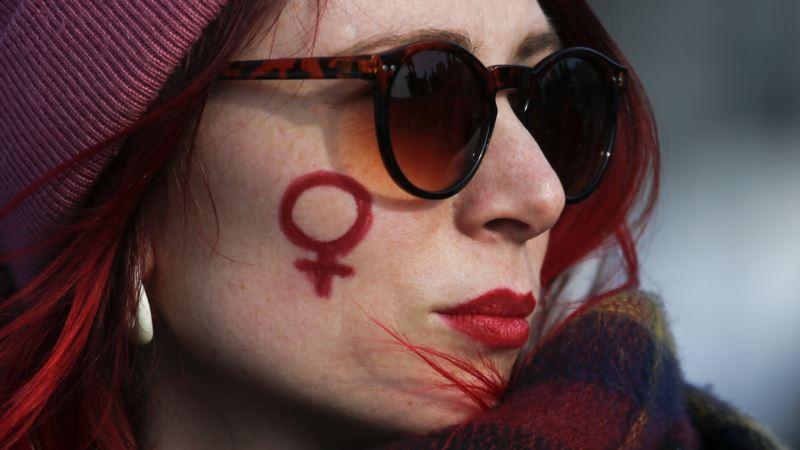 Tisuće na skupovima u Francuskojprotiv nasilja nad ženama