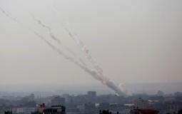 Nova baražna raketna vatra ispaljena na Izrael, uprskos objavi prekida vatre