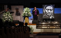 U Hjustonu u toku pogrebna ceremonija Džordžu Flojdu