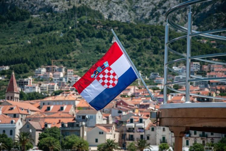 U Hrvatskoj prepolovljen broj zaposlenih od 2002.