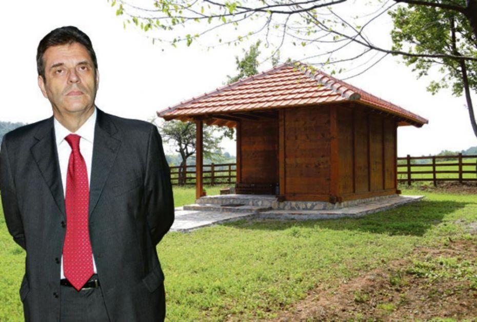 U ILEGALI: Koštunica se preselio u divljinu, sagradio kolibu novoj ženi u selu Dragolj! ČITAJTE U KURIRU